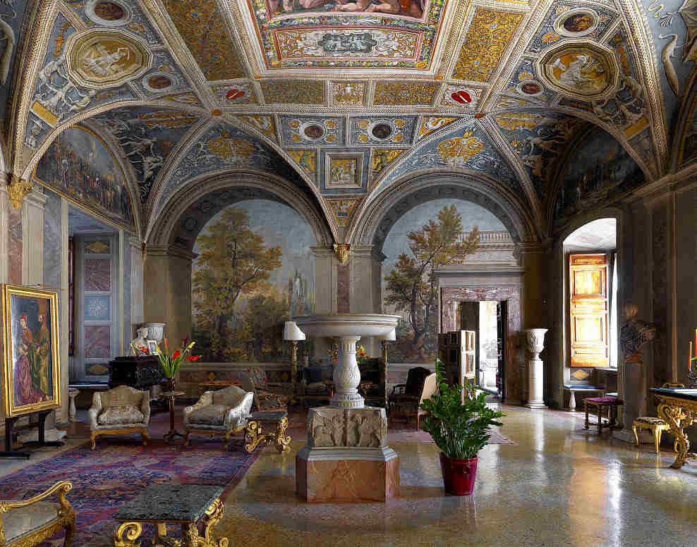 Palazzo Colonna fontana